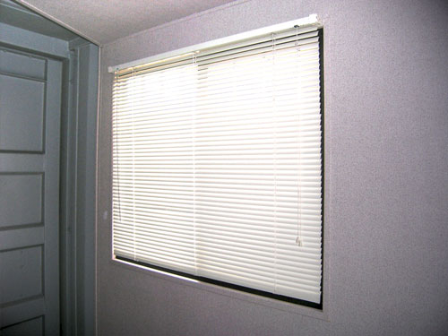 Mini-Blinds